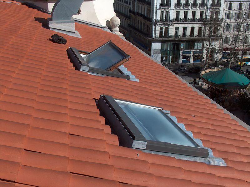Fenetres de toit marseille aix en provence aubagne ciotat for Remplacement fenetre de toit